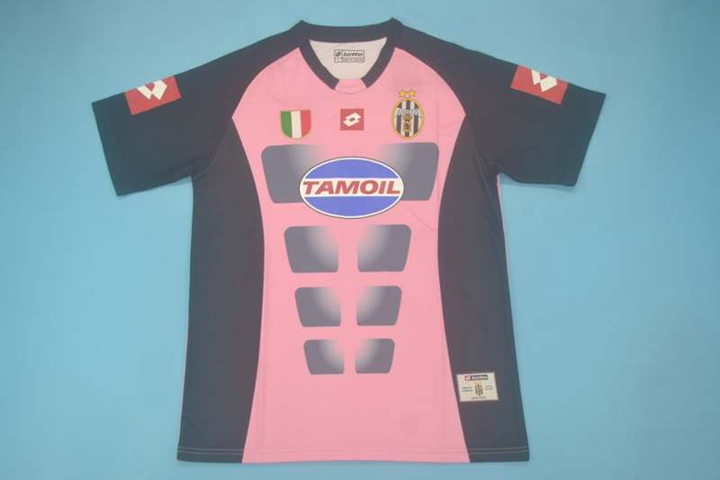AAA Quality Juventus 2002/03 Goalkeeper Pink Retro Soccer Jersey